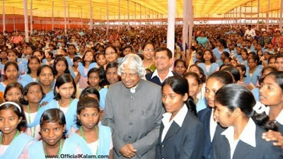 Dr Kalam woth with childrens